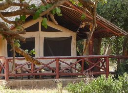zpskenyasafaris.com-Ndololo_safari_camp