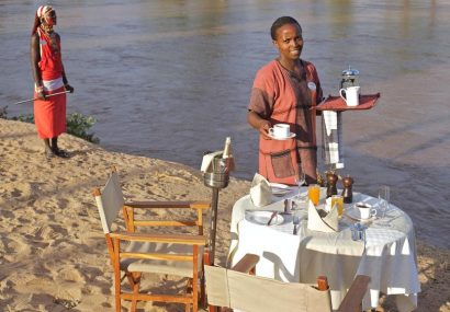 zpskenyasafaris.com-ashnil-samburu-camp-breakfast-by-the-river