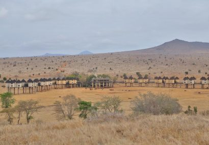 zpskenyasafaris.com-sarova-saltlick-game-lodge-tsavo-taita-hills-far-view
